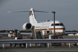 Hikobouzさんが、成田国際空港で撮影したドイツ空軍 BD-700 Global Express/5000/6000の航空フォト(飛行機 写真・画像)