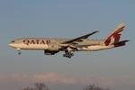 肉食獣さんが、成田国際空港で撮影したカタール航空 777-2DZ/LRの航空フォト(写真)