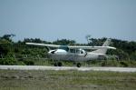 ライトレールさんが、慶良間空港で撮影したエアードルフィン Cessnaの航空フォト(写真)