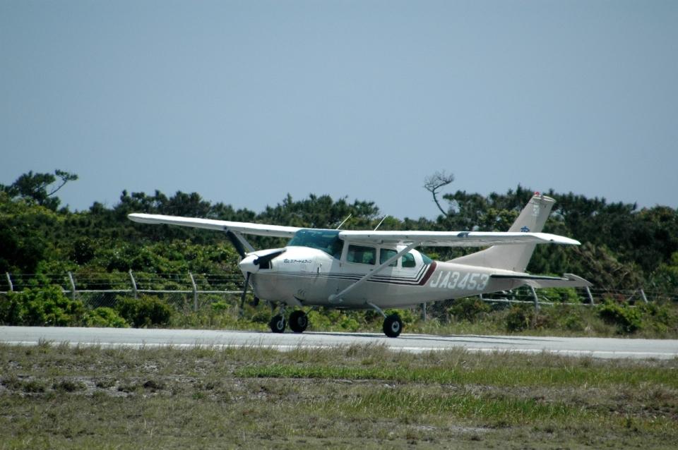 ライトレールさんのエアードルフィン セスナ172 (JA3453) 航空フォト