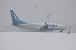 aircanadafunさんが、モントリオール・ピエール・エリオット・トルドー国際空港で撮影したキャンジェット航空 737-81Qの航空フォト(飛行機 写真・画像)