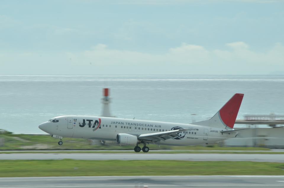 あっしーさんの日本トランスオーシャン航空 Boeing 737-400 (JA8526) 航空フォト