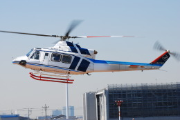 へりさんが、東京ヘリポートで撮影した中日本航空 412EPの航空フォト(写真)