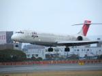 アイスコーヒーさんが、伊丹空港で撮影した日本航空 MD-90-30の航空フォト(写真)