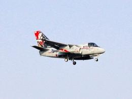 なまくら はげるさんが、厚木飛行場で撮影したアメリカ海軍 S-3B Vikingの航空フォト(写真)