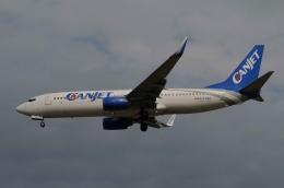 ★グリオさんが、フォートローダーデール・ハリウッド国際空港で撮影したキャンジェット航空 737-8ASの航空フォト(飛行機 写真・画像)