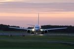 chalk2さんが、新潟空港で撮影したジンエアー 737-86Nの航空フォト(写真)