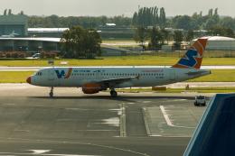 jombohさんが、アムステルダム・スキポール国際空港で撮影したウインド・ジェット A320-211の航空フォト(飛行機 写真・画像)