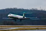 カヤノユウイチさんが、岡山空港で撮影したエバー航空 MD-90-30の航空フォト(飛行機 写真・画像)