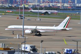 B747‐400さんが、羽田空港で撮影したメキシコ空軍 757-225の航空フォト(飛行機 写真・画像)