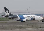 AIRFORCE ONEさんが、羽田空港で撮影したオズジェット 737-229/Advの航空フォト(飛行機 写真・画像)