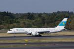 xxxxxzさんが、成田国際空港で撮影したカザフスタン政府 757-2M6の航空フォト(写真)