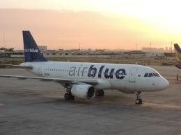 maixxさんが、ジンナー国際空港で撮影したエア・ブルー A319-112の航空フォト(飛行機 写真・画像)