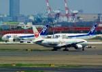 rjnsphotoclub-No.07さんが、羽田空港で撮影した日本航空 777-246の航空フォト(飛行機 写真・画像)