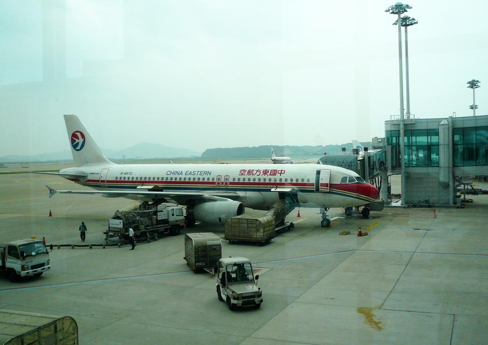 T.Sazenさんの中国東方航空 Airbus A320 (b-6672) 航空フォト