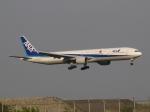 aquaさんが、羽田空港で撮影した全日空 777-381の航空フォト(写真)