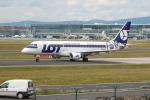 jombohさんが、フランクフルト国際空港で撮影したLOTポーランド航空 ERJ-170-200 LR (ERJ-175LR)の航空フォト(写真)