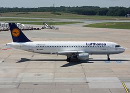 Bokuranさんが、ハンブルク空港で撮影したルフトハンザドイツ航空 A320-211の航空フォト(飛行機 写真・画像)