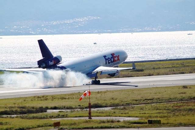 山河 彩さんが、関西国際空港で撮影したフェデックス・エクスプレス MD-11Fの航空フォト(飛行機 写真・画像)