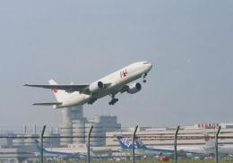 ギ―ピロさんが、羽田空港で撮影した日本航空 777-246の航空フォト(飛行機 写真・画像)