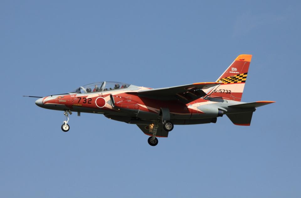 Koenig117さんの航空自衛隊 Kawasaki T-4 (56-5732) 航空フォト