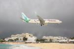 しかばねさんが、プリンセス・ジュリアナ国際空港で撮影したカリビアン航空 737-8BKの航空フォト(写真)