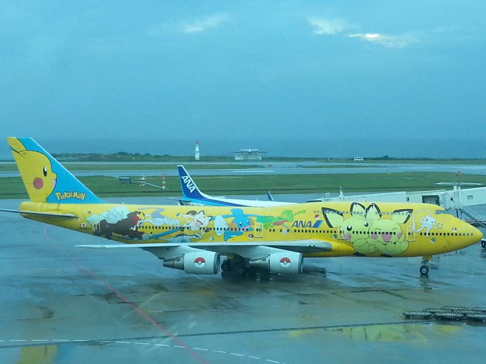 GE90777-300ERさんの全日空 Boeing 747-400 (JA8957) 航空フォト