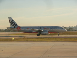 Kanatoさんが、メルボルン空港で撮影したジェットスター A320-232の航空フォト(飛行機 写真・画像)