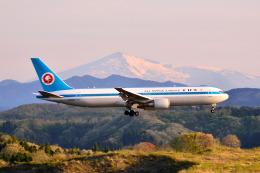 フリューゲルさんが、秋田空港で撮影した全日空 767-381の航空フォト(飛行機 写真・画像)