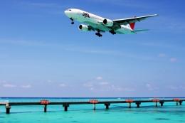 kinsanさんが、下地島空港で撮影した日本航空 777-246の航空フォト(飛行機 写真・画像)