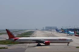 xxxxxzさんが、関西国際空港で撮影したエア・インディア 777-337/ERの航空フォト(飛行機 写真・画像)