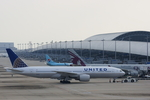 xxxxxzさんが、関西国際空港で撮影したユナイテッド航空 777-222/ERの航空フォト(飛行機 写真・画像)