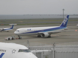 jkicさんが、羽田空港で撮影した全日空 767-381の航空フォト(飛行機 写真・画像)