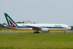 Scotchさんが、成田国際空港で撮影したアリタリア航空 777-243/ERの航空フォト(写真)