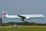 Scotchさんが、成田国際空港で撮影したエア・カナダ 777-333/ERの航空フォト(写真)
