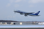 Severemanさんが、新千歳空港で撮影した全日空 777-281の航空フォト(写真)