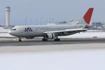 xxxxxzさんが、新千歳空港で撮影した日本航空 A300B4-622Rの航空フォト(写真)