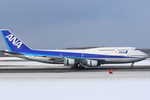 Severemanさんが、新千歳空港で撮影した全日空 747-481(D)の航空フォト(写真)