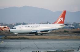 ja007gさんが、トリブバン国際空港で撮影したインディアン航空 737-2A8の航空フォト(飛行機 写真・画像)