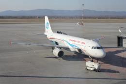 まきーさんが、ウラジオストク空港で撮影したウラジオストク航空 A320-214の航空フォト(飛行機 写真・画像)