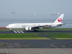 すしねこさんが、羽田空港で撮影した日本航空 777-246の航空フォト(飛行機 写真・画像)