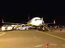 B787-9さんが、パリ・ボーヴェ・ティレ空港で撮影したライアンエア 737-8ASの航空フォト(飛行機 写真・画像)