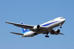まいけるさんが、スワンナプーム国際空港で撮影した全日空 767-381/ERの航空フォト(飛行機 写真・画像)