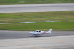 T.Sazenさんが、神戸空港で撮影した学校法人ヒラタ学園 航空事業本部 SR20 Sの航空フォト(飛行機 写真・画像)