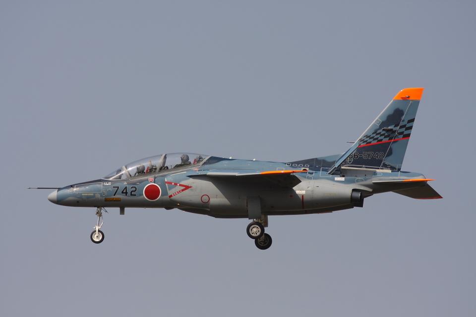 akimi2さんの航空自衛隊 Kawasaki T-4 (66-5742) 航空フォト