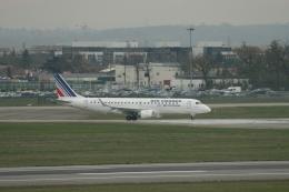 Sirius8981さんが、トゥールーズ・ブラニャック空港で撮影したレジォナル ERJ-190-100 LR (ERJ-190LR)の航空フォト(飛行機 写真・画像)