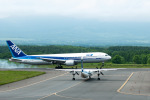 パンダさんが、中標津空港で撮影した全日空 767-381の航空フォト(写真)