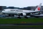 rjnsphotoclub-No.07さんが、福岡空港で撮影した日本航空 777-289の航空フォト(飛行機 写真・画像)