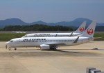 よしこさんが、広島空港で撮影した日本航空 737-846の航空フォト(飛行機 写真・画像)