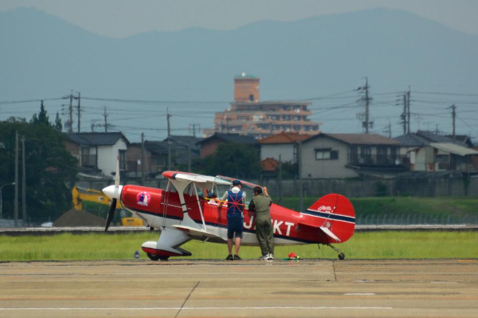 T.Sazenさんの日本個人所有 Pitts S-2 Special (JA11KT) 航空フォト